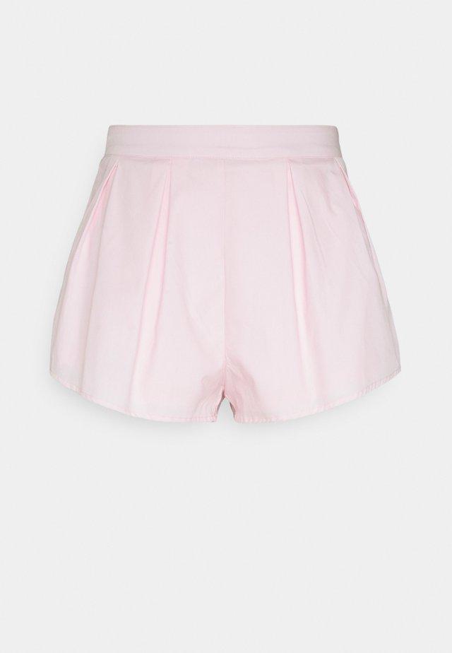 PLEAT DETAIL - Shorts - pink