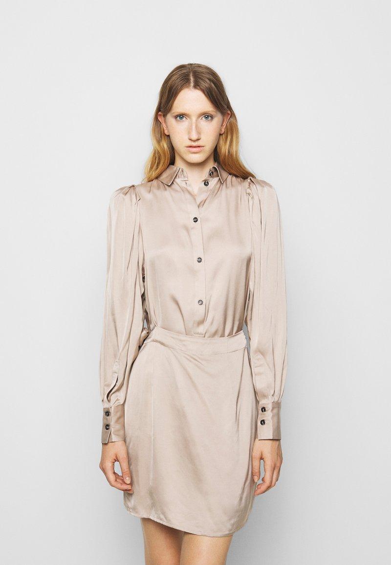 DESIGNERS REMIX - GIULIA SHORT DRESS - Cocktail dress / Party dress - beige