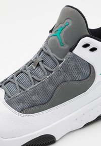 Jordan - MAX AURA 2 - Høye joggesko - white/black/neptune green/smoke grey - 5