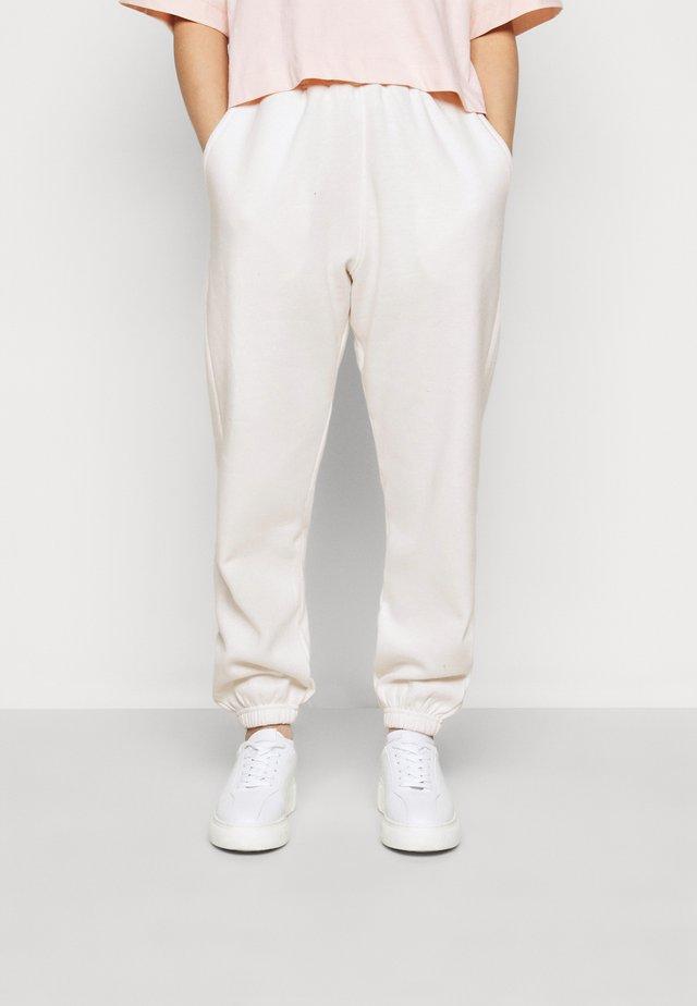 PETITE 90S JOGGERS - Pantalon de survêtement - white