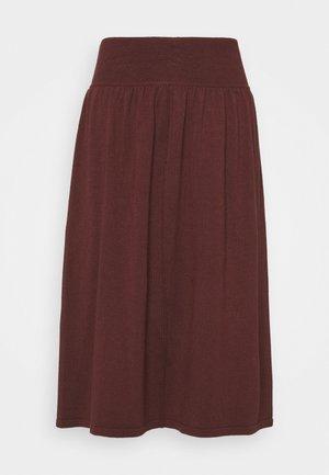 Áčková sukně - andorra