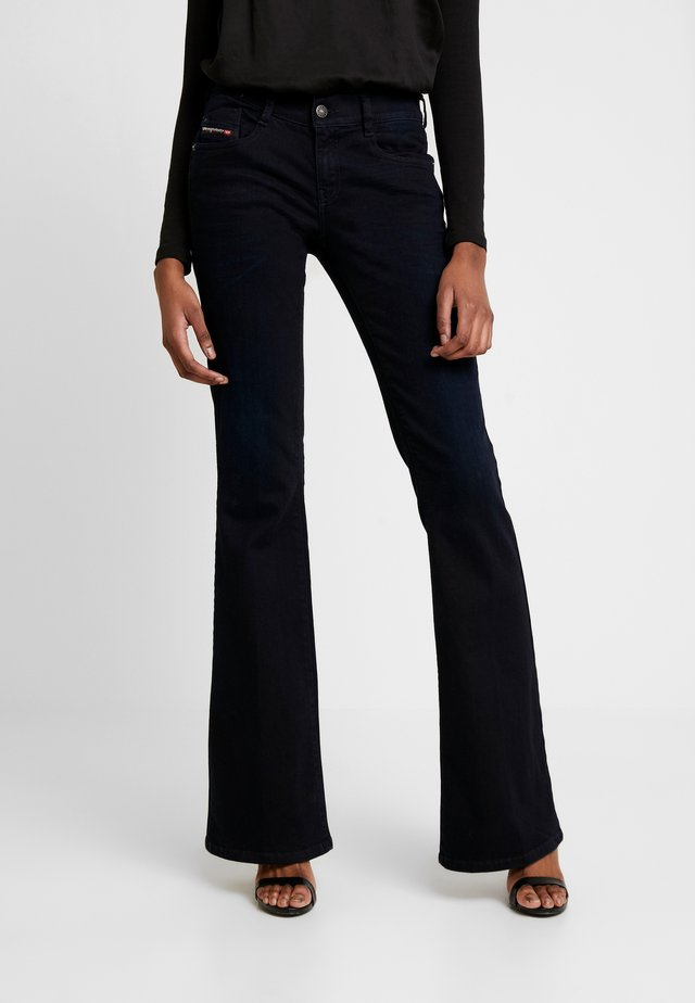 D-EBBEY - Flared Jeans - indigo
