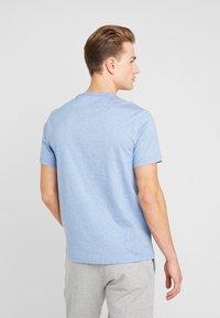 Farah - DENNIS SOLID TEE - T-shirt z nadrukiem - boy blue marl - 2