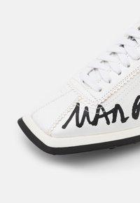 MM6 Maison Margiela - Trainers - white/black - 5