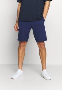 Champion - LOGO BERMUDA - Pantalón corto de deporte - dark blue - 0