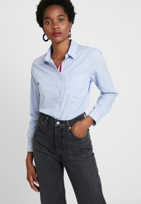 Banana Republic - QUINN RIBBON PLACKET - Button-down blouse - light blue - 0