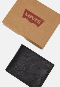 Levi's® - HORSE DEBOSSED BIFOLD UNISEX - Wallet - regular black - 3