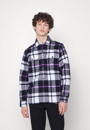 ADVERT WOVEN - Shirt - black