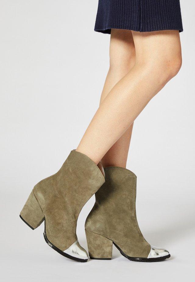 Korte laarzen - gray silver