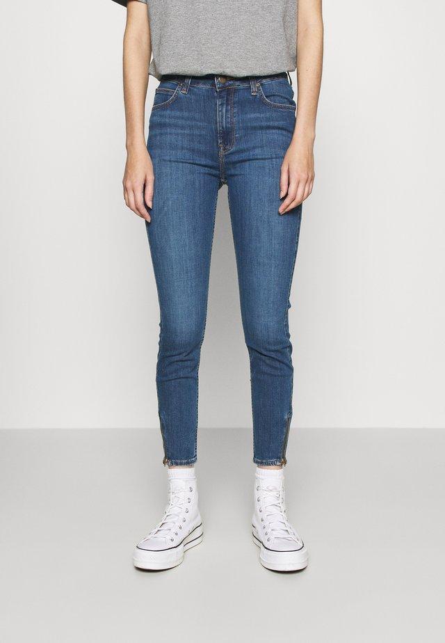 SCARLETT HIGH ZIP - Jeans Skinny Fit - mid foster