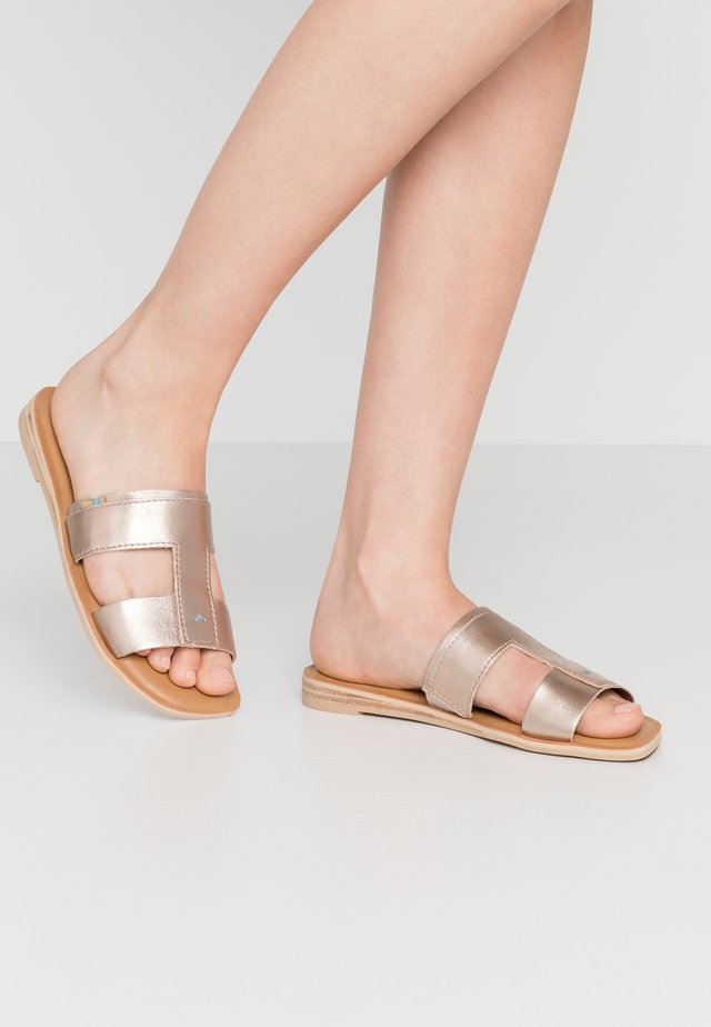 SEACLIFF - Mules - pink