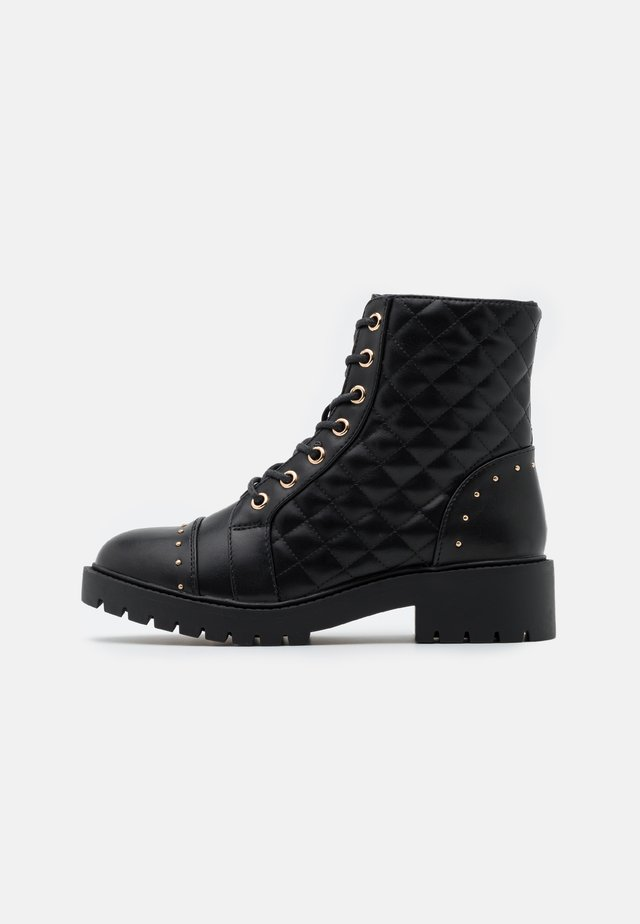 BUBBLE QUILTED LACE UP - Schnürstiefelette - black