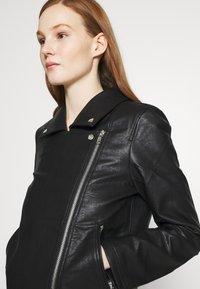 NA-KD - SHORT BACK BIKER JACKET - Leather jacket - black - 4