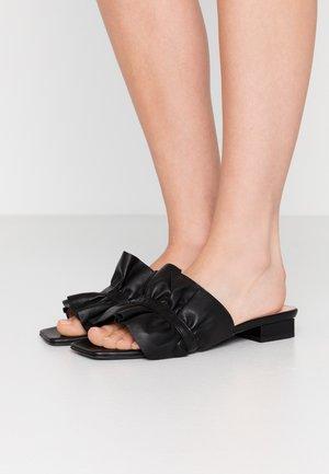 CIABATTA DONNA WOMAN`S SLIDE - Pantofle - black