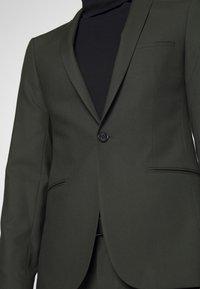 Viggo - GOTHENBURG SUIT SET - Kostym - khaki - 8