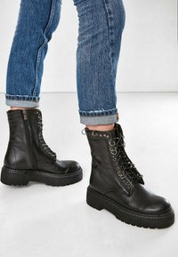 Inuovo - Lace-up ankle boots - black - 0