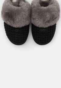 UGG - COZY - Pantoffels - black - 5
