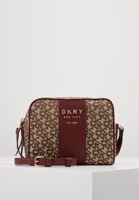 DKNY - NOHO  - Across body bag - chino blood red - 0