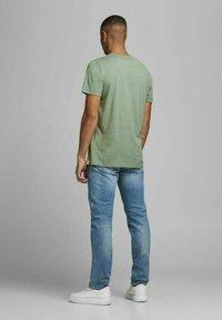 Jack & Jones - JORTONS TEE CREW NECK - Basic T-shirt - sea spray - 2