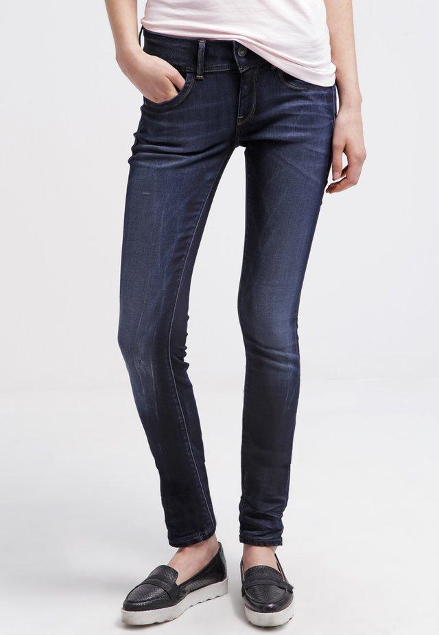 LYNN MID SKINNY - Jeans Skinny Fit - blue
