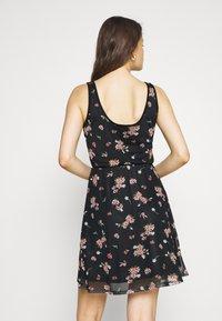Even&Odd - Sukienka letnia - black/pink - 2