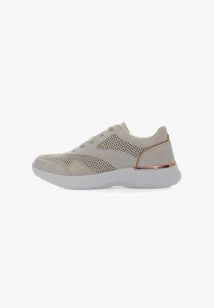 GERDA - Sneakers basse - nude