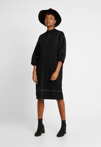 Monki - KARIN DRESS - Jerseykjole - black/white - 2