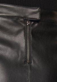 VILA PETITE - VIPEN NEW COATED SKIRT - Pencil skirt - black - 5