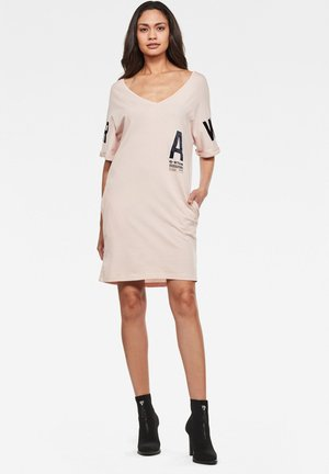 GRAPHIC JOOSA V - Jersey dress - pyg