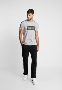 Glorious Gangsta - BAZLEY - T-Shirt print - grey marl - 1
