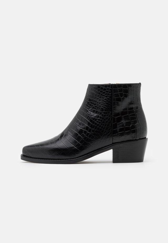 TRONCHETTO TEXANO TACCO MEDIO - Ankle boots - nero
