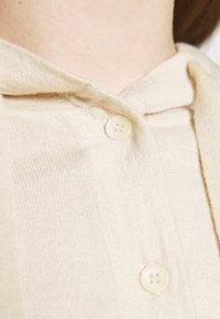 Filippa K - CHIARA HOODIE - Maglione - soft beige - 3