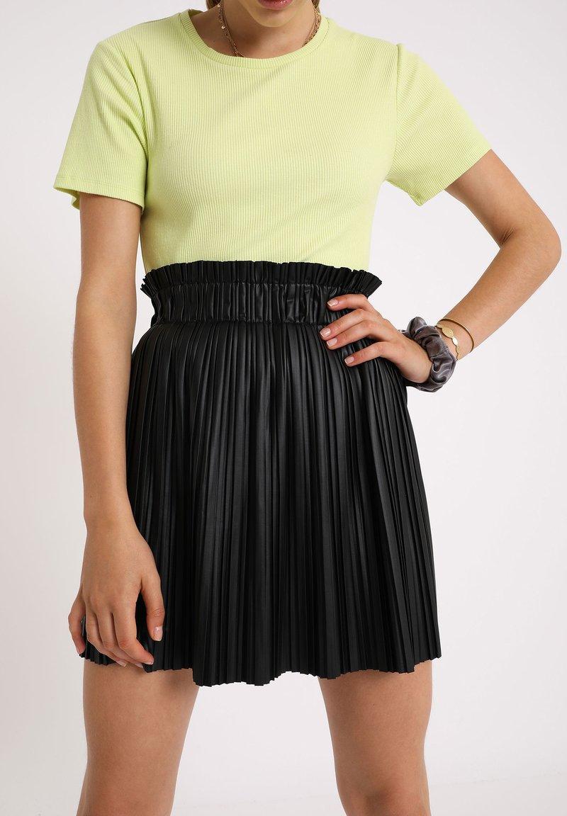 Pimkie - PLISSEE - Mini skirt - schwarz