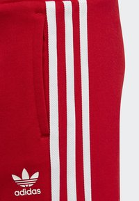 adidas Originals - TREFOIL SHORTS TEE SET - Szorty - red/white - 6