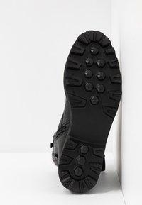TOM TAILOR - Kotníkové boty na platformě - black - 6