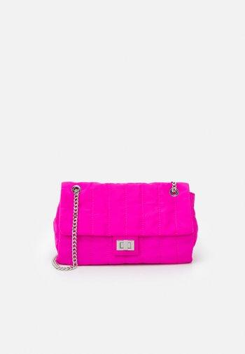 CROSSBODY BAG CHUCK M - Across body bag - fuchsia