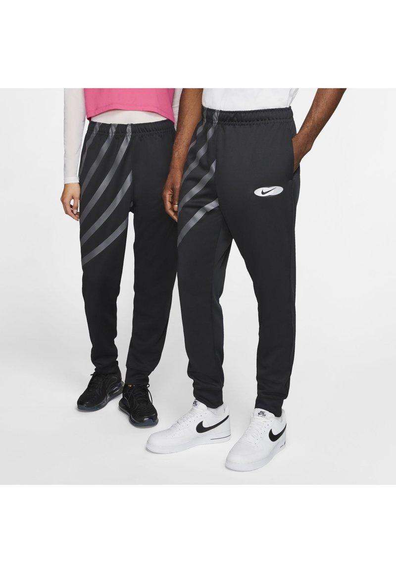 Nike Sportswear - SUBSET - Træningsbukser - black