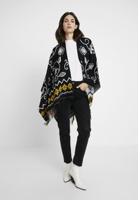 Desigual - PONCHO BARBARO - Cape - black - 1