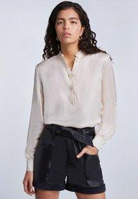 SET - FEMININE - Button-down blouse - whitecap gray - 0