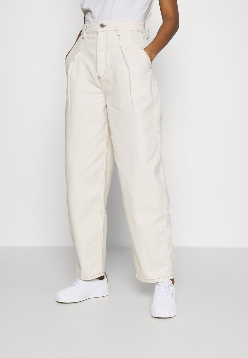 BDG Urban Outfitters - ERIN COCOON - Džíny Relaxed Fit - ecru