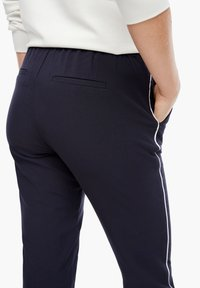 s.Oliver - Tracksuit bottoms - dark blue - 5