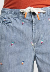 Superdry - SUNSCORCHED - Shorts - blue/white/orange - 3