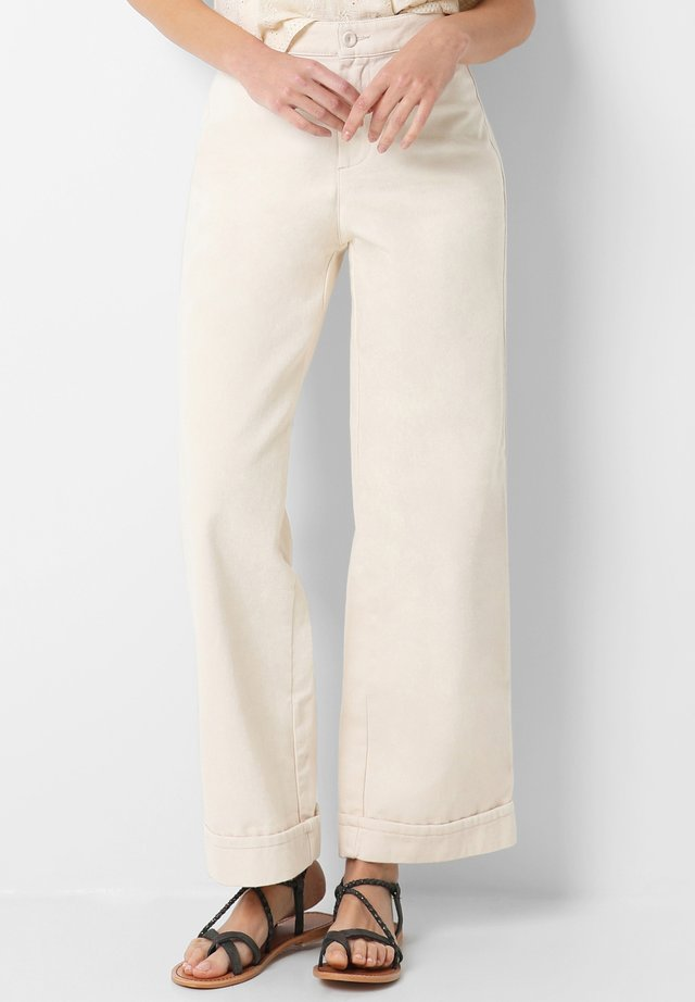 WITH TURN-UP HEM - Trousers - off white