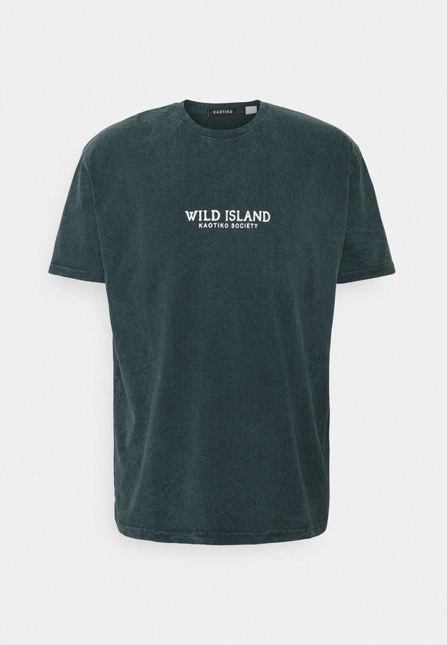 TIE DYE WILD ISLAND - T-shirt med print - petrol