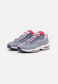 Nike Sportswear - AIR MAX 95 - Sneakersy niskie - cement grey/thunder blue/chile red/summit white/white - 1