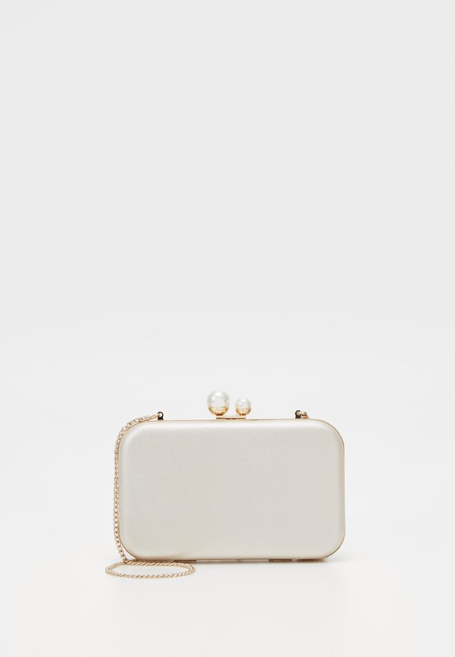 Pochette - white gold