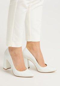 RISA - High heels - weiss - 0
