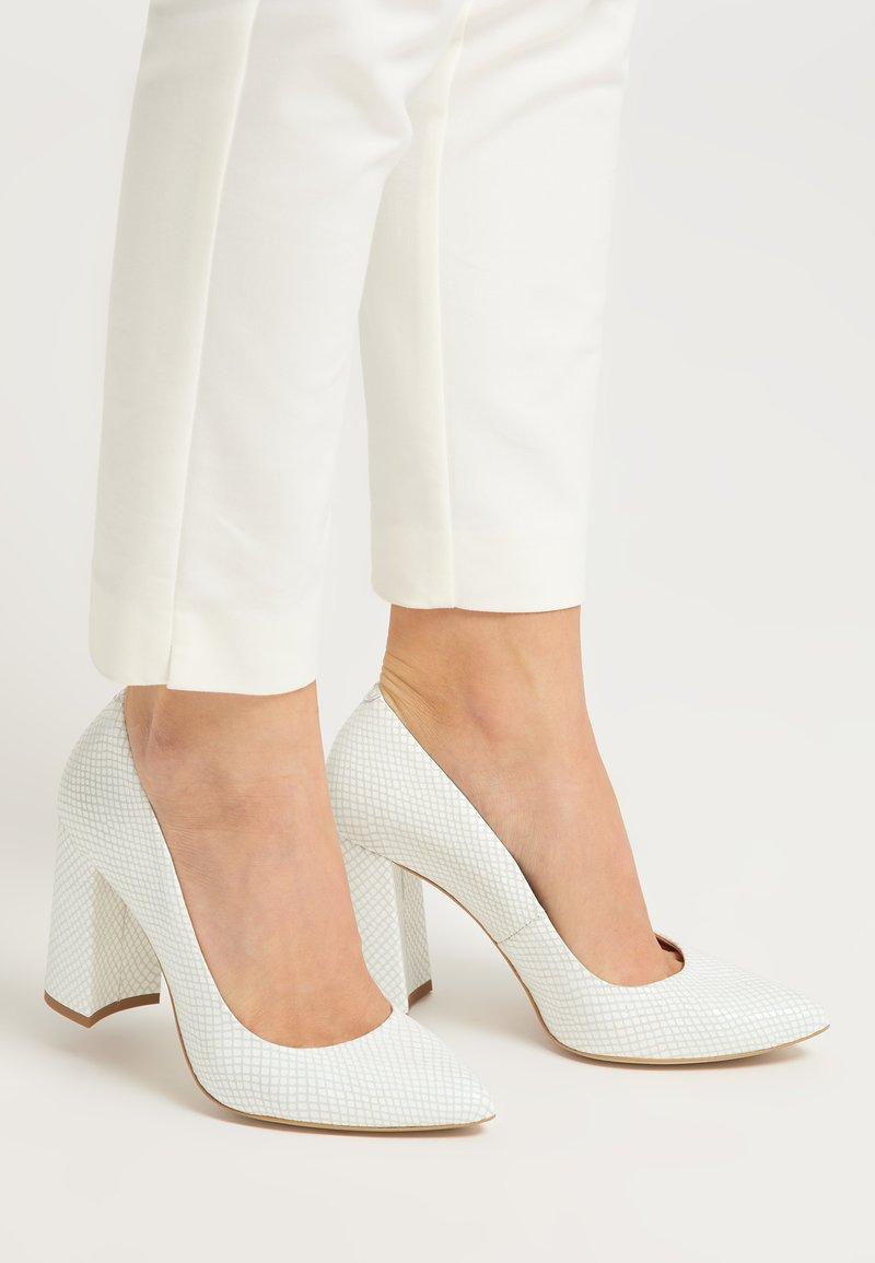 RISA - High heels - weiss