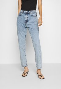 Gina Tricot - DAGNY HIGHWAIST - Relaxed fit jeans - mid blue snow - 0