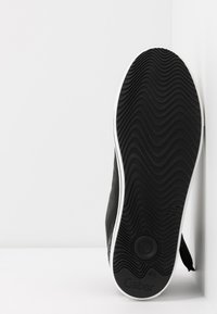Gabor Comfort - Sneakersy wysokie - schwarz - 6